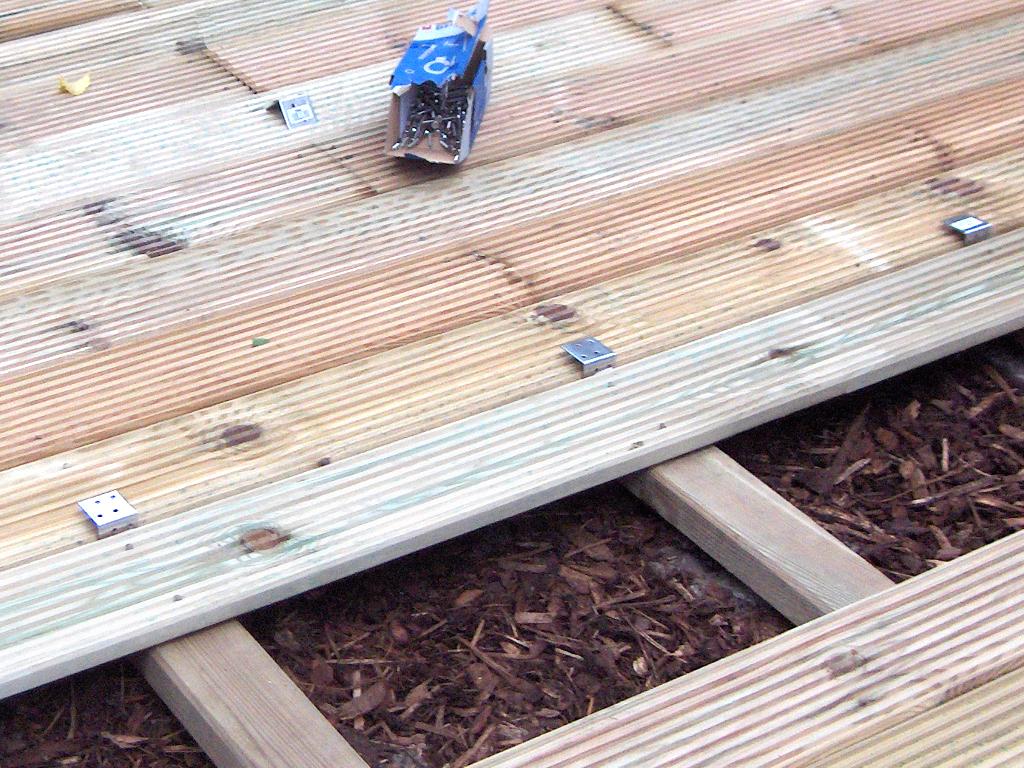 Terrassendielen für 20,20€ /lfm 203,20€ /m² Balkon Gartenterrasse